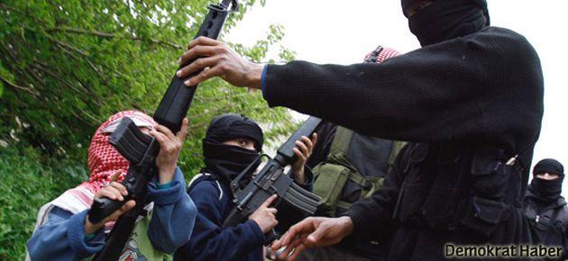 El Kaide'den çocuklara canlı bomba eğitimi
