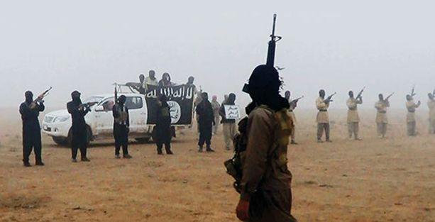 El Nusra'dan Suriye'de bağlarını kopardığı IŞİD'e bağlılık yemini!