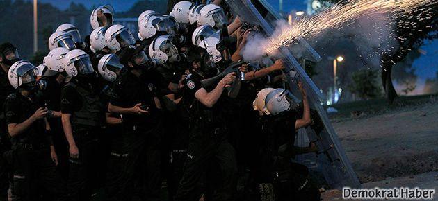 Eli sopalı siville polis 'dayanışması' kameralarda