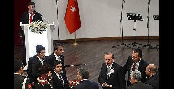 Erdoğan: Barolar Birliği Başkanı konuşacaksa törene gitmem