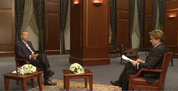 Erdoğan, 'dalkavuk ajan' dediği muhabire röportaj vermiş