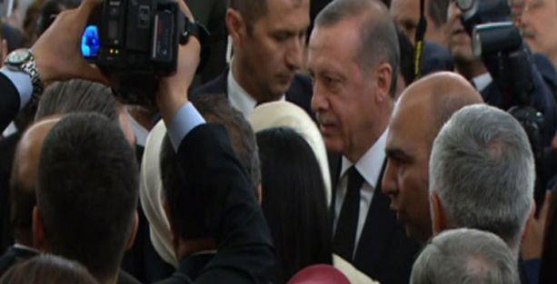 Erdoğan: Parti yönetimi değişmeyecek, Gül'ün dönmesinde mani yok