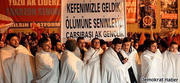Erdoğan'a kefenli karşılama