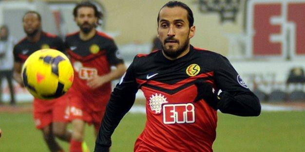 Erkan Zengin Fenerbahçe ile anlaştı