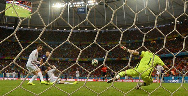 'Erken final'de Hollanda'dan görkemli zafer
