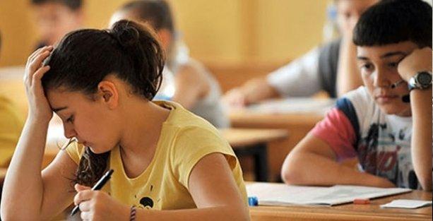 'Ermeni öğrencilerden özür dileyin,  düşmanlık ifadelerini ders kitaplarından çıkarın'