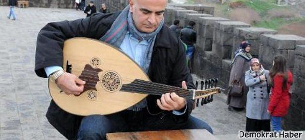 Ermeni sanatçı 21 yıl sonra Diyarbakır'a dönüyor