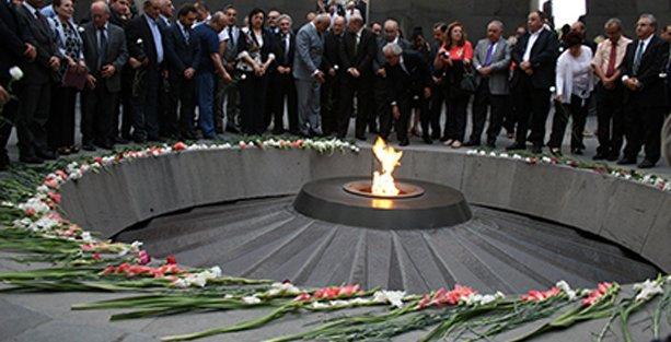 'Ermeni Soykırımı ile Türkiye'nin demokratikleşmesi birbirlerine bağlı'