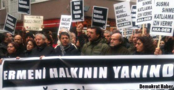Ermenilere yönelik saldırılar Samatya'da protesto edildi