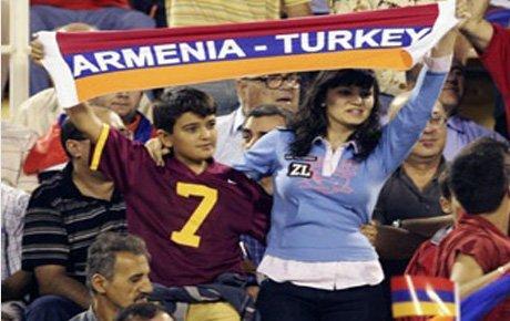 Ermenistan'la dostluk sürmeli