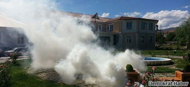 Erzincan'da Cemevine gaz bombası