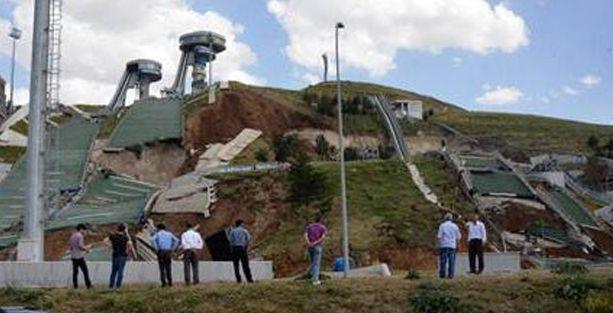 Erzurum'daki atlama kuleleri çöktü