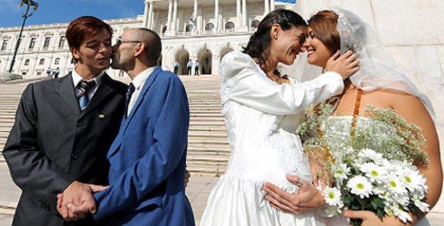 Eşcinsel evliliğin kabul edildiği İrlanda'ya Vatikan'dan tepki: Bu, insanlığın bir yenilgisidir