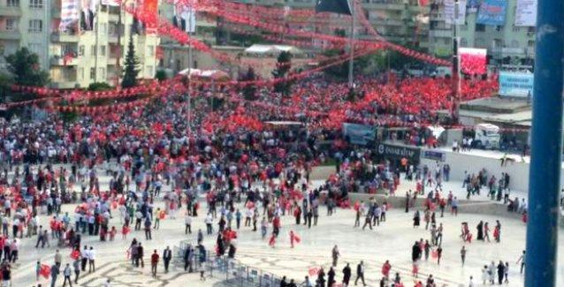 Eski AKP'li: Halktan tehditle oy toplayan HDP değil AKP