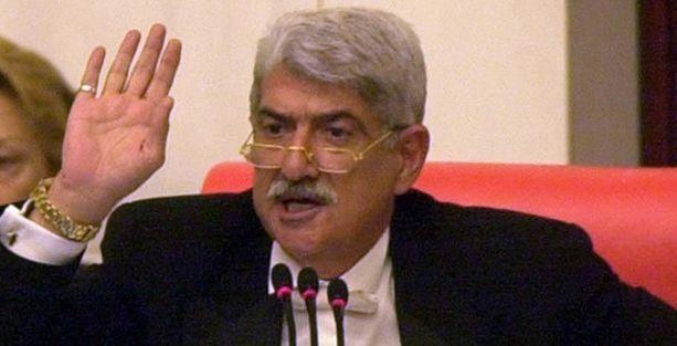 Eski TBMM Başkanı Murat Sökmenoğlu yaşamını yitirdi