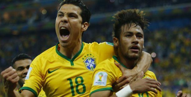 Ev sahibi Brezilya Kupa'ya 3 puanla başladı
