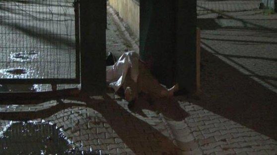 'Evden uzaklaştırma' kararı olan eşi tarafından sokak ortasında öldürüldü