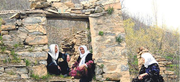Ezidi ve Süryanilerin köylerine dönüşü için çalışmalar başladı