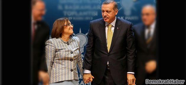 Fatma Şahin ile Erdoğan'ı eleele gösteren fotoğrafa tepki