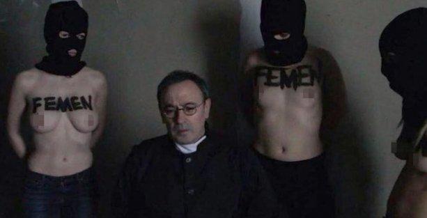 'FEMEN bir rahibi rehin aldı' iddiası