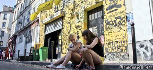 FEMEN merkez bürosuno baskın