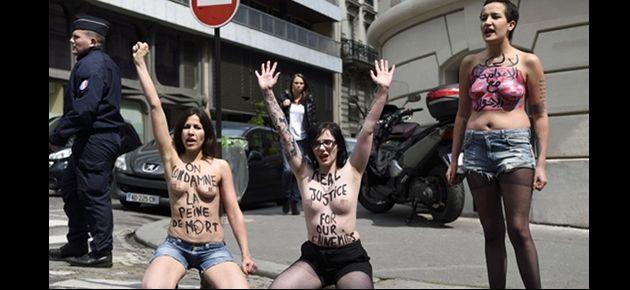 Femen Mısır'daki idam kararına karşı soyundu