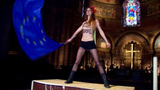 Femen, Strazburg'da Papa'yı protesto etti