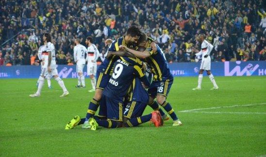 Fenerbahçe, Beşiktaş'ı 90+1. dakikada attığı golle mağlup etti