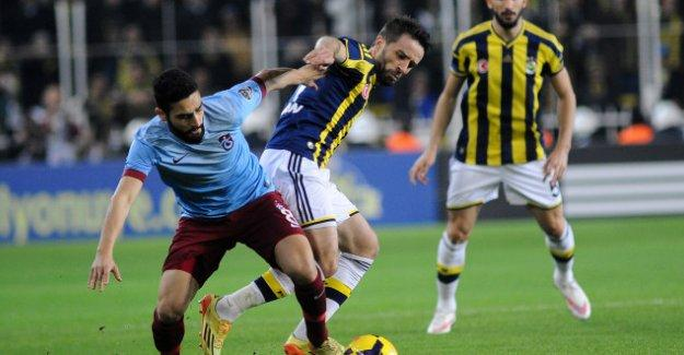 Fenerbahçe, Kadıköy'de Trabzonspor'la berabere kaldı