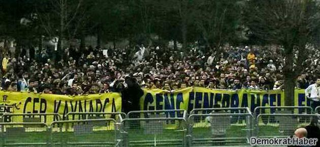 Fenerbahçe taraftarları TFF binasına yürüdü