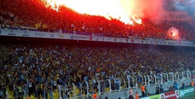 Fenerbahçe'ye derbi öncesinde tribün kapatma cezası