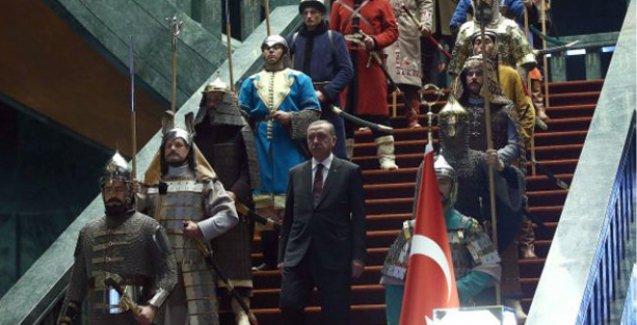Financial Times: Gerçek güç Saray'daki Erdoğan'da