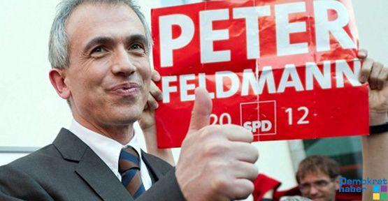 Frankfurt'ta SPD 17 yıl sonra CDU'yu devirdi