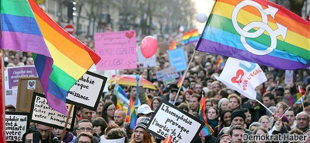 Fransa eşcinsel evlilik kararını verdi