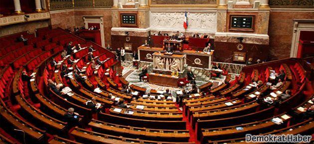 Fransa yasalardan 'ırk' kelimesini çıkardı