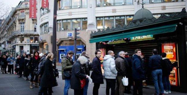 Fransa'da Charlie Hebdo izdihamı