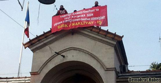 Fransız Konsolosluğu'nda Yurtiçi Kargo protestosu