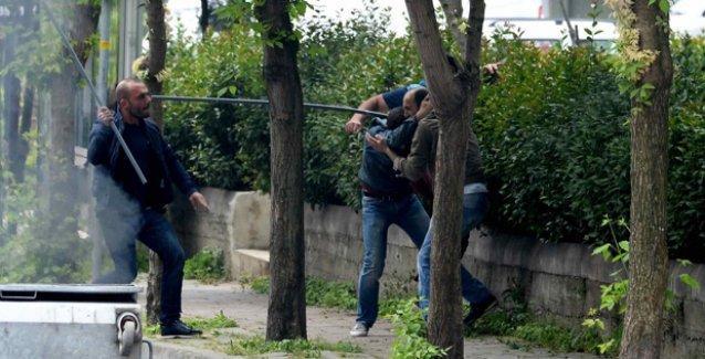 Fulya'da eli sopalı siviller 'polis gözetiminde' 1 Mayıs yürüyüşçülerini linç etti!