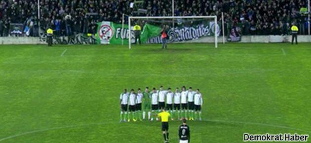Futbol tarihine geçecek protesto!