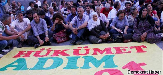 Galatasaray Meydanı'nda 'barış nöbeti' başladı