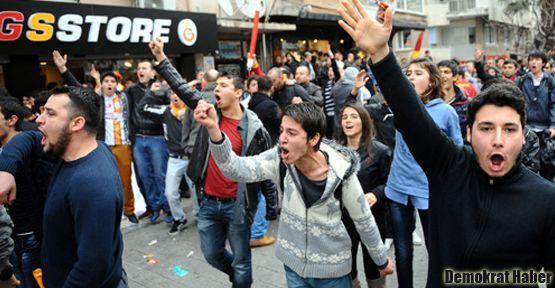 Galatasaraylı oyuncu ve taraftarlara saldırı