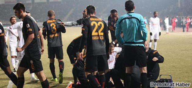 Galatasaraylı oyuncu sakatlandı, herkes ağladı
