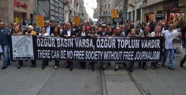Gazeteciler Dünya Basın Özgürlüğü Günü'nde Taksim'de yürüdü
