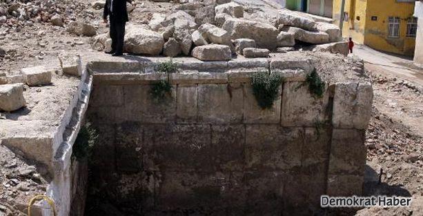 Gecekondu yıkıldı, ortaya antik tiyatro çıktı