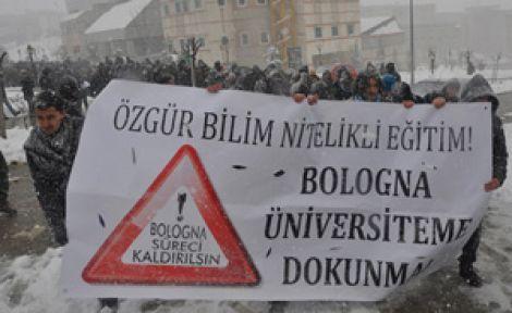 Gençler karda yürüdü: Bologna, Üniversiteme Dokunma!