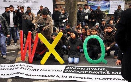 Gençlerden 'W, X, Q'mesajı