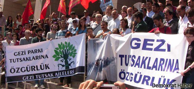Gezi davasında, duruşma salonunda protesto