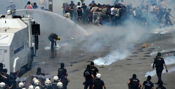 Gezi eylemcilerine darbe suçlaması: 35 kişi hakkında ağırlaştırılmış müebbet isteniyor!
