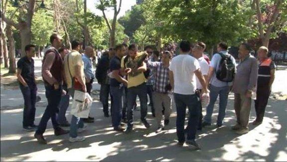 Gezi Parkı'nda bir gazeteci darp edilerek gözaltına alındı