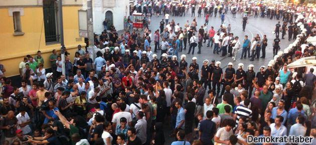 Gezi Parkı'nda vekillerden oturma eylemi